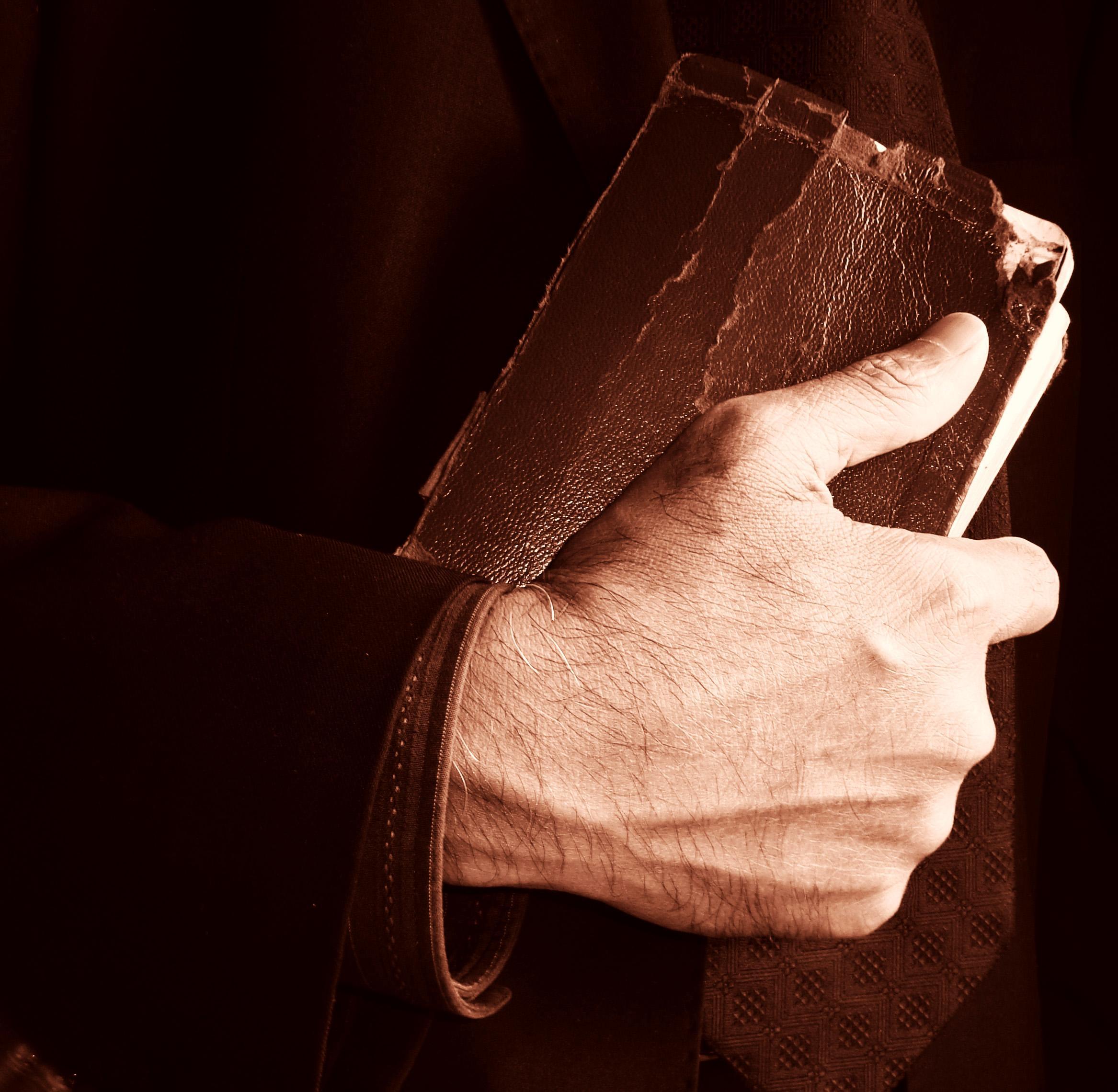 1178354 33782497 - Většina lidí Bibli nikdy nečetla, ale myslí si, že ví, co v ní je