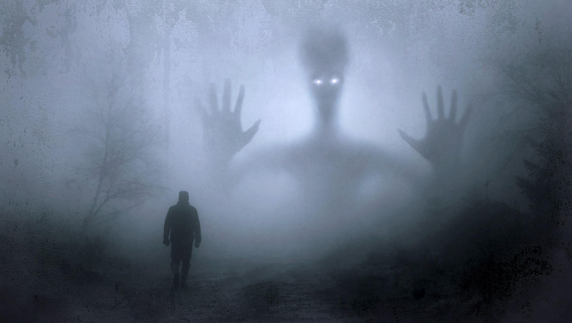 """fantasy 2847724 1920 - Strašení, zjevení, podivné úkazy po spiritizmu, člověk, který otevřel """"duchovní okno"""""""