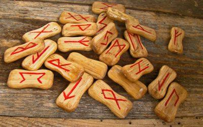 runes 947831 1920 400x250 - Odkryté Lži