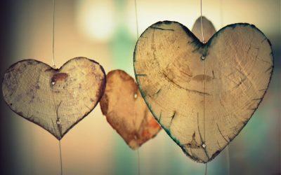 heart 700141 1920 400x250 - Odkryté Lži