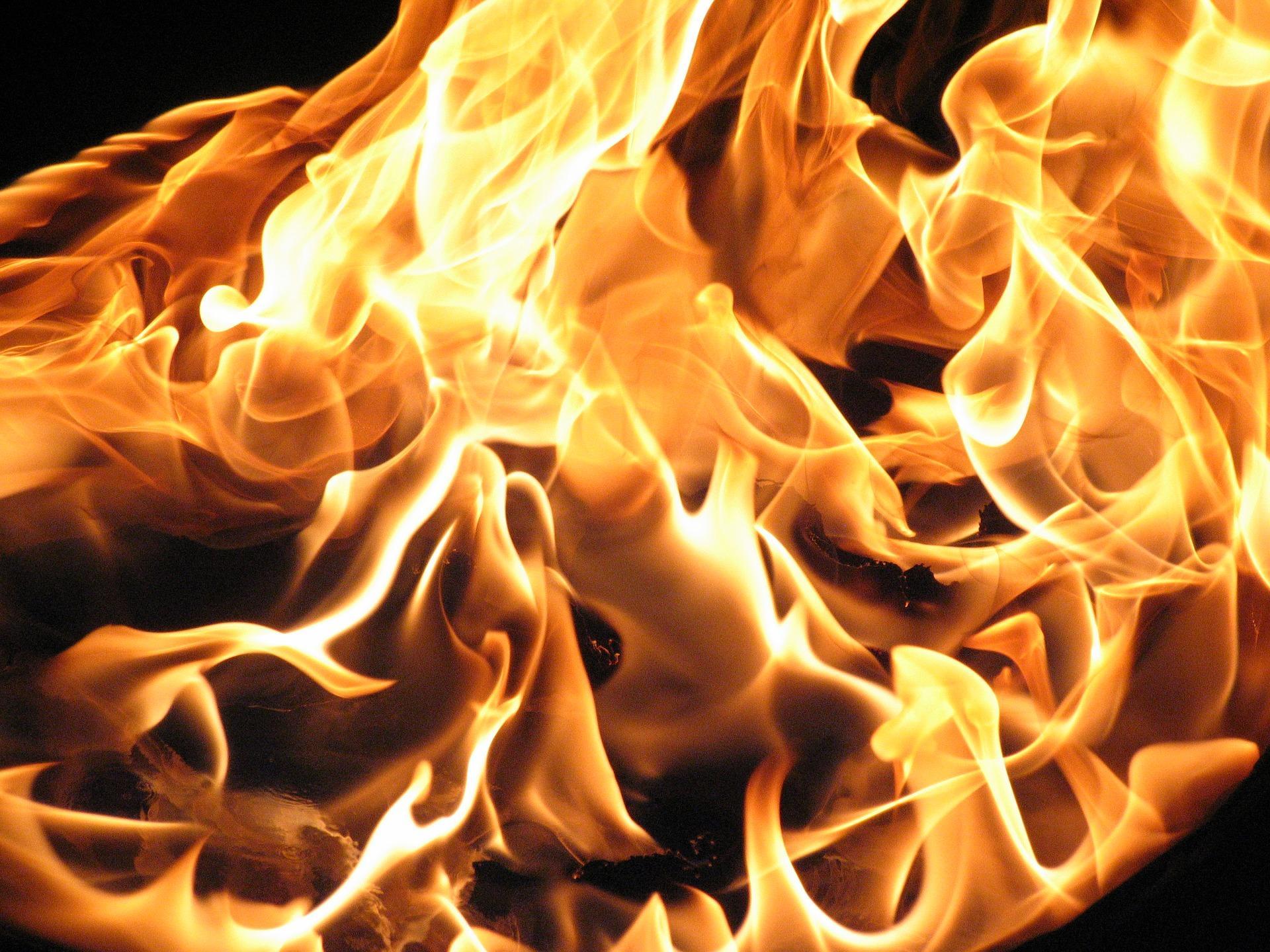 fire 1712030 1920 - O PEKLE