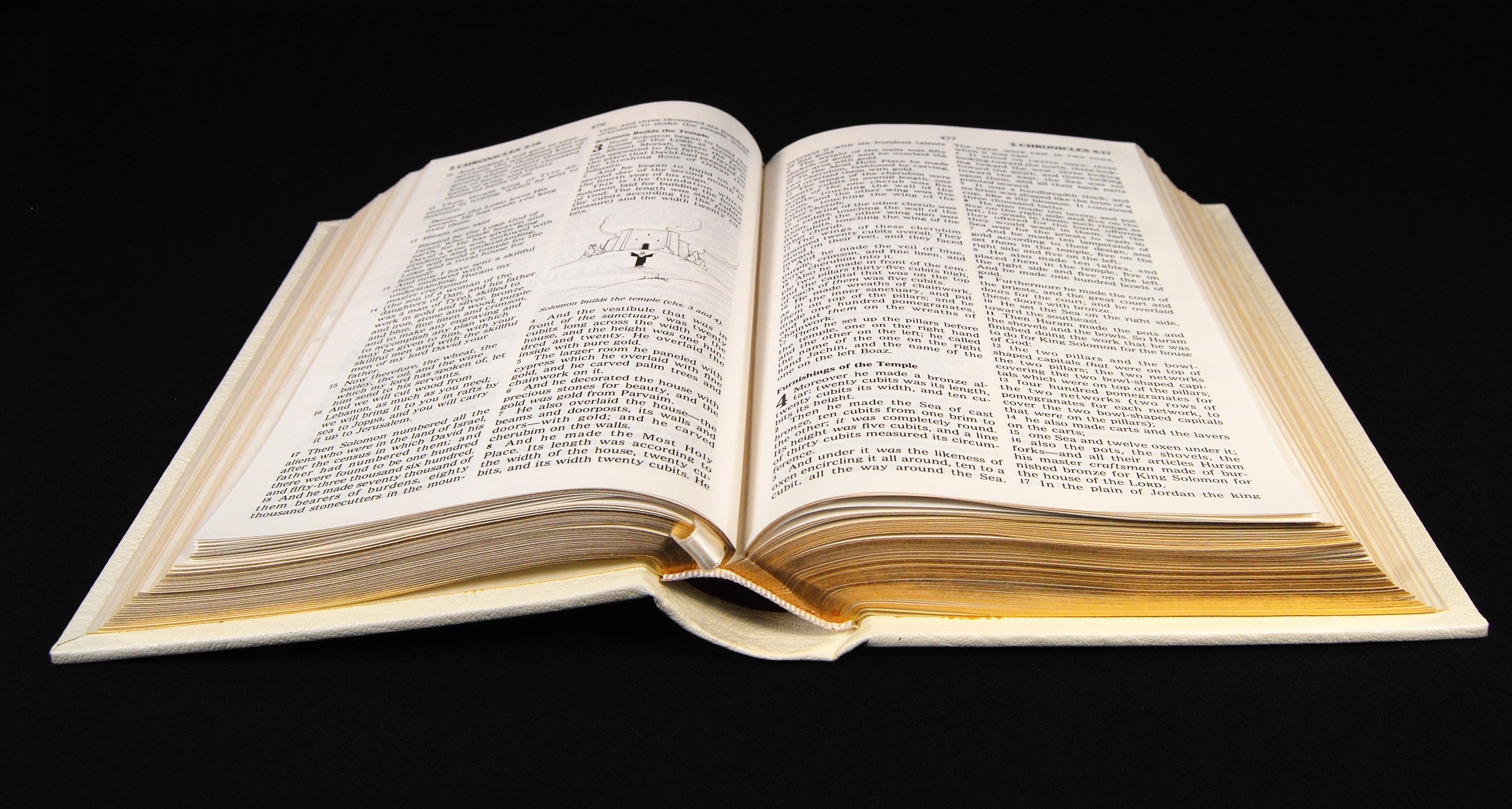 1019642 63590745 - Být křesťanem není slabost