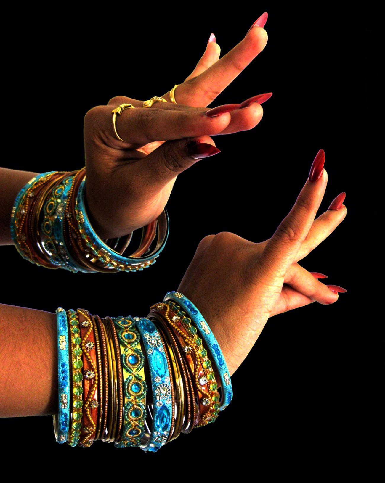 stockvault bharatanatiyam 132057 - Břišní tanec, orientální tance, belly dance