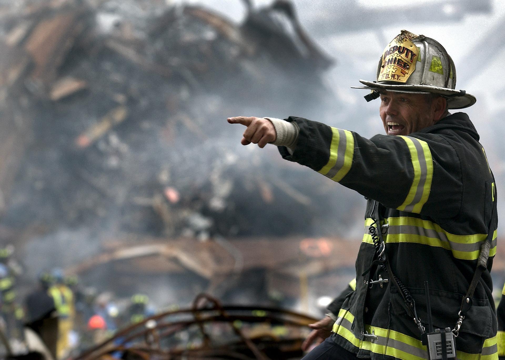 fireman 100722 1920 - Satan potřebuje falešné důkazy blížícího se konce