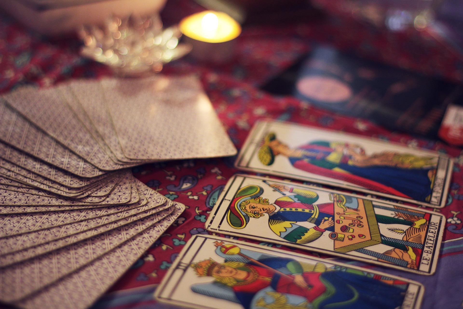 tarot 2414239 1920 - Horoskop, horoskopy, numerologie,výklady karet, věštění